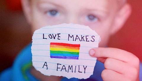 I-bambini-sanno-quando-c-e-una-famiglia-Buon-Natale_articleimage.jpg